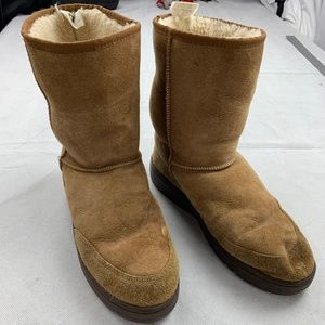 3aabb2033fe UGG Australia Ultra Short Suede Leather Boots M11